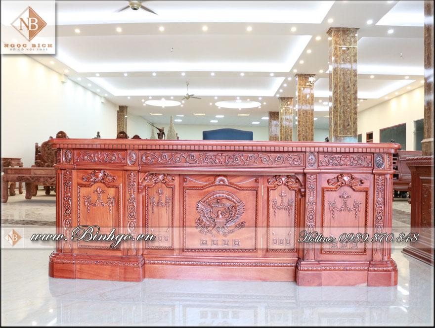 Sản phẩm bàn làm việc Obama Tại showroom Đồ Gỗ Ngọc Bích ( cơ sở 1), showroom có diện tích 2000m2 cơ sở 1 tại Thôn Hương Mạc - Xã Hương Mạc - Tx. Từ Sơn - Tỉnh Bắc Ninh