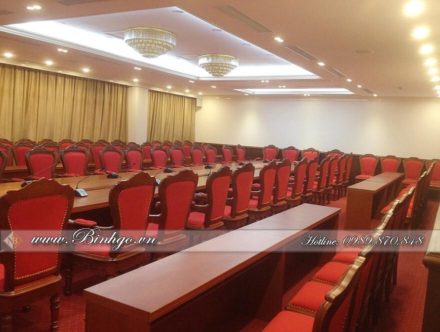Nội thất Phòng họp trực tuyến bằng chất liệu gỗ Tự Nhiên cao cấp