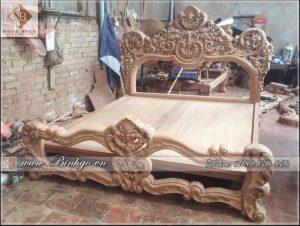 Giường Tân Cổ điển mẫu Louis sản xuất tại một phân xưởng của Bình Gỗ ( Cty TNHH Ngọc Bích )