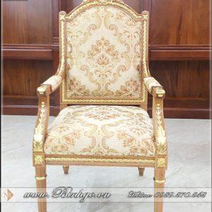 Mẫu Ghế giám đốc mẫu Putin hiện là sản phẩm ghế giám đốc bán chạy nhất hiện nay, với chất liệu gỗ Gõ Đỏ 100% bộc nỉ vải nhập khẩu. Khung ghế sơn inchem cao cấp dát vàng 18K