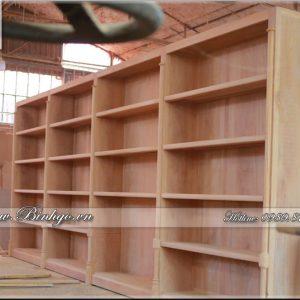 Mẫu Tủ sách gỗ Gõ Đỏ được sản xuất theo đơn hàng thiết kế tại xưởng sản xuất của Mr. Bình ( Bình Gỗ ) Công ty TNHH Hồng Ngọc Bích.