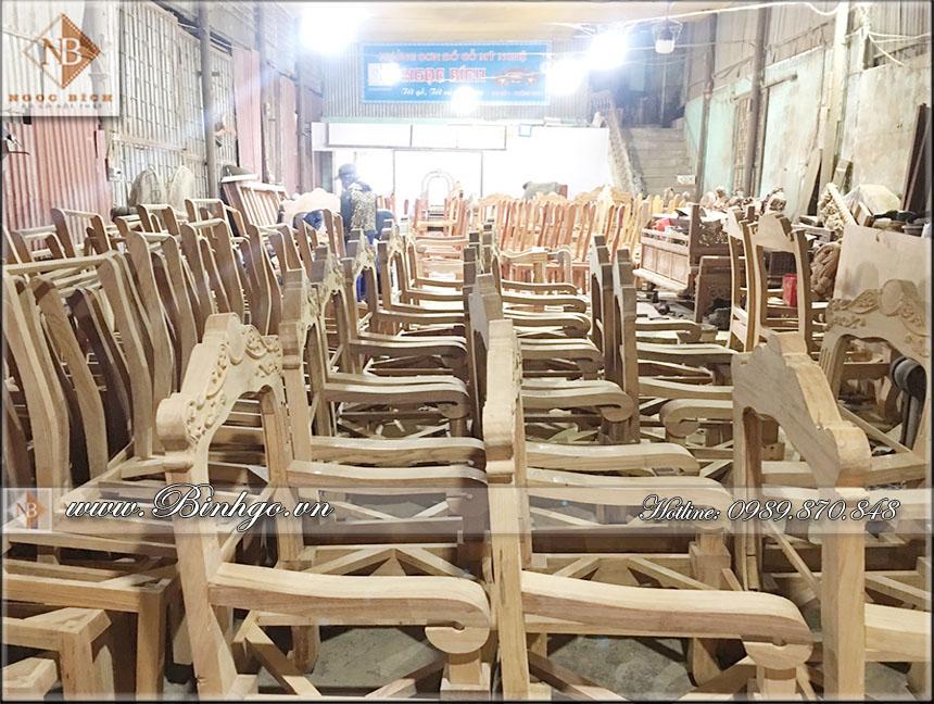 Các sản phẩm Ghế Giám Đốc và Ghế hội trường được sản xuất và hoàn thiện tại phân xưởng số 02 của Ngọc Bích ( xưởng sơn Ngọc Bích )