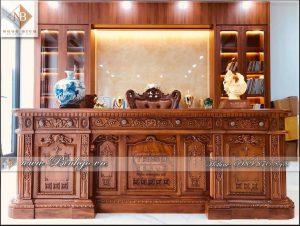 Sản phẩm bàn làm việc Obama được hoàn thiện và Bàn giao cho khách hàng ở Hà Nội. Với chất liệu Gỗ Gõ Đỏ đẳng cấp của siêu phẩm, khiến nhiều người tò mò muốn phám phá