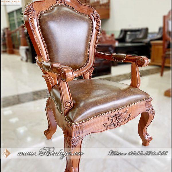 Ghế Giám Đốc gỗ Tự Nhiên ( Gỗ Gõ Đỏ). Sản phẩm có kích thước: 60x58x123cm. Ghế được làm theo chuẩn phương pháp truyền thống của làng nghề Đồ Gỗ Đồng Kỵ.