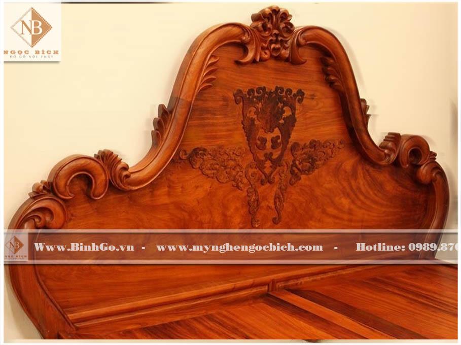 Đầu giường ngủ tân cổ điển gỗ Gõ Đỏ - được thiết kế có thể bộc đệm rời hoặc đục hoa văn trực tiếp lên gỗ. Sản phẩm được làm 100% bằng gỗ Gõ Đỏ quý hiếm. Có độ bền cao. Với chất gỗ tương đương gỗ Hương. Đầu giường ngủ tân cổ điển gỗ Gõ Đỏ - được thiết kế có thể bộc đệm rời hoặc đục hoa văn trực tiếp lên gỗ. Sản phẩm được làm 100% bằng gỗ Gõ Đỏ quý hiếm. Có độ bền cao. Với chất gỗ tương đương gỗ Hương.