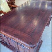 Mặt bàn làm việc Gỗ Cẩm Lai - Mẫu bàn Tổng thống mỹ 2021. Với chất liệu gỗ Cẩm, vân siêu đẹp và siêu vip. Thực sự là ông vua của các loại bàn