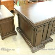 Tủ Thấp ( Bàn thấp ) để bên trài hoặc bên phải bàn làm việc. Dùng để máy in, tài liệu hoặc đồ trang trí phòng làm việc. Tủ thấp gỗ tự nhiên màu gỗ Óc Chó có kích thước: 135x48x62cm