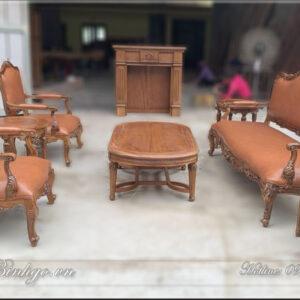 Bộ ghế Sofa Italy gỗ Gõ Đỏ gồm: 02 ghế Đơn, 01 ghế dài, 01 bàn trà, 02 đôn. Với kích thước khá nhỏ nhắn. Bộ sofa Italy đặc biệt phù hợp với không gian phòng làm việc của lãnh đạo và không gian phòng khách có diện tích vừa phải.