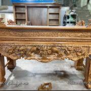 Sập Thờ tứ linh gỗ hương Đá chân thẳng năm 2021. Sẩn phẩm đang được sản xuất và hoàn thiện tại xưởng sơn của Đồ Gỗ Ngọc Bích