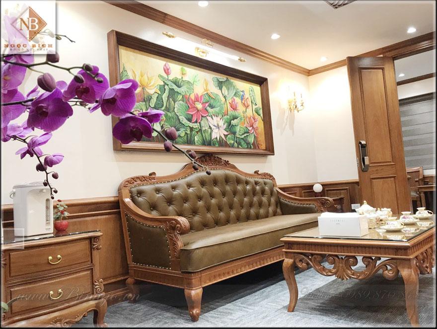 Ghế Dài bộ sofa phòng làm việc. Được thiết kế theo phong cách tân cổ điển. Với kích thước 220x81cm. Bộ sofa phù hợp với phòng làm việc có diện tích 30-40m2.