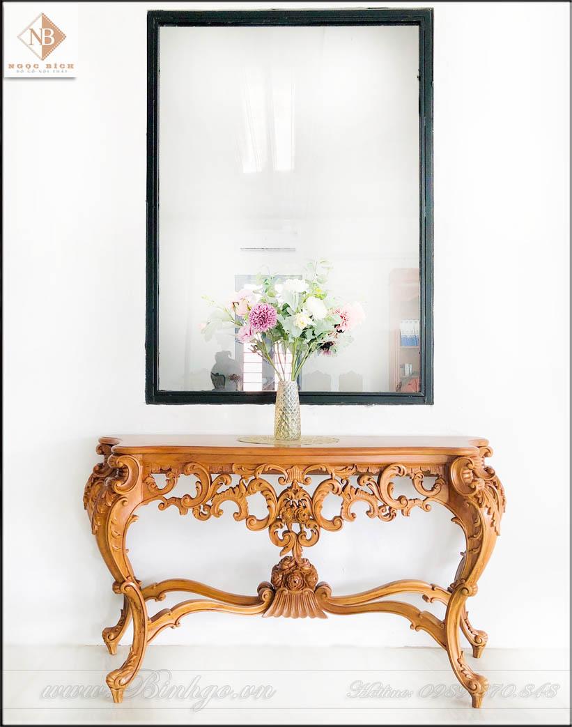 Bàn Trang trí tân cổ điển này có thể thêm các chi tiết Dát vàng sẽ rất sang trọng và đẳng cấp. Sản phẩm có thể để trang trí phòng khách hay phòng làm việc.