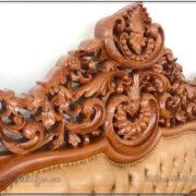 Phần họa tiết hoa lá tây đầu giường tân cổ điển. Các chi tiết được tạo hình rất cầu kỳ và tinh xảo. Các chi tiết đều được làm thủ công bằng tay.