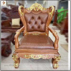 Ghế lãnh đạo dát vàng năm 2022. Sản phẩm có kích thước 86x62x133cm. Ghế có độ cao đến mặt ngồi là: 51cm phù hợp với bàn làm việc có độ cao từ: 77cm-81cm