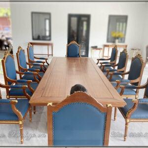 Combo bàn ghế họp phòng chủ tịch gỗ tự nhiên. Bàn làm việc mẫu Putin có kích thước: D340xR120xC75cm. Với 10 ghế thành việc