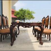 Bộ khung Sản phẩm Bàn Ăn trước khi lắp phần mặt bàn. Bàn Ăn Tân Cổ điển gỗ Gõ Đỏ có tạo dáng rất mềm mại, nhưng rất vững chắc. Bên trên mặt bàn có thể dùng hệ mặt đá hoặc mặt gỗ.